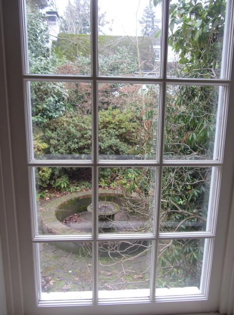 tour 14 window side garden